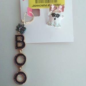 Betsey Johnson New Mismatch Boo/Ghost Earrings